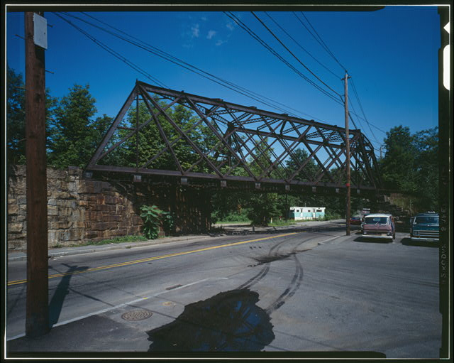 GENERAL VIEW OF THE BRIDGE FROM LINDEN STREET - Central Massachusetts Railroad, Linden Street Bridge, Spanning Linden Street, Waltham, Middlesex County, MA