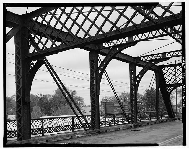 9.  View of short main span along south line of trusses.  View to southwest - Selby Avenue Bridge, Spanning Short Line Railways track at Selby Avenue between Hamline & Snelling Avenues, Saint Paul, Ramsey County, MN