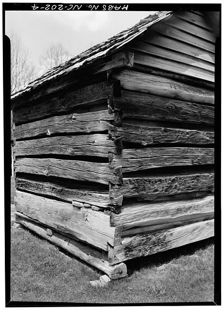 Detail of dovetail joint - Pioneer Farmstead, Meat House, U.S. Route 441 (moved from NC, Cataloochee), Cherokee, Swain County, NC