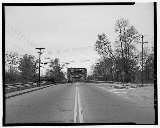 6.  View looking northwest, showing southeast approach. - Manchester Street Bridge, Spanning Merrimack River at Manchester Street (U.S. Route 3), Concord, Merrimack County, NH