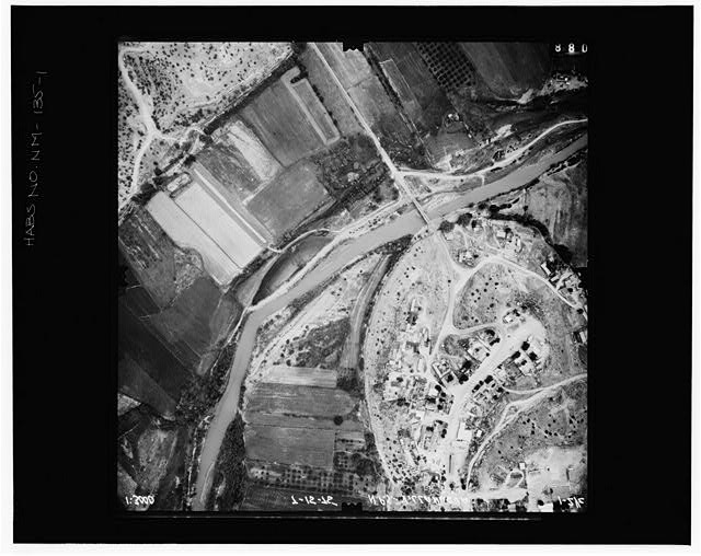 1.  AERIAL VIEW Copy photograph of photogrammetric plate LC-HABS-GS01-B-1975-602. - Village of Villanueva, Upper Pecos River Valley, Villanueva, San Miguel County, NM