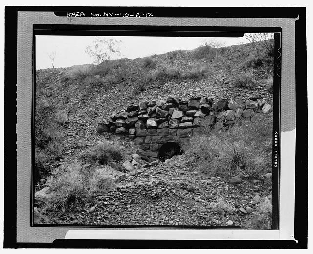Special type culvert headwall, Culvert No. 109 Outlet, oblique view, view to southeast - Route No. 1-Overton-Lake Mead Road, Culverts and Headwalls, 6 miles south of Overton, Overton, Clark County, NV