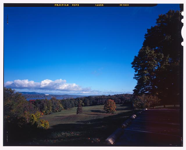 29.  View of Hudson River from overlook parking area, View NNW. - Vanderbilt Mansion Roads & Bridges, Hyde Park, Dutchess County, NY