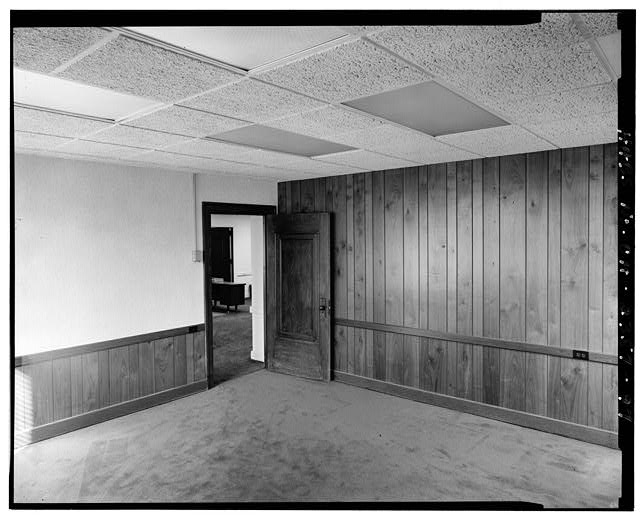 97.  View west: office area 4/13/89 - Brotherhood of Locomotive Engineers Building, 1365 Ontario Street, Cleveland, Cuyahoga County, OH