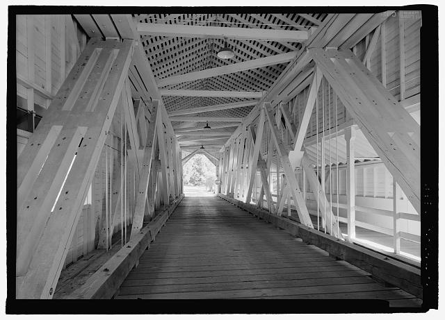INTERIOR SHOWING FRAMING AT CENTER OF TRUSS - Office Bridge, Spanning North Fork of Middle Fork Willamette River, Old Mill Road (former logging road), Westfir, Lane County, OR