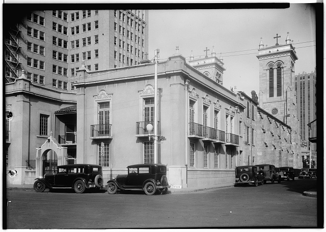 6.  Historic American Buildings Survey, Arthur W. Stewart, Photographer March 23, 1936 SOUTHWEST ELEVATION, SOUTH SIDE AND WEST REAR. - San Fernando Cathedral, 115 Main Avenue, San Antonio, Bexar County, TX