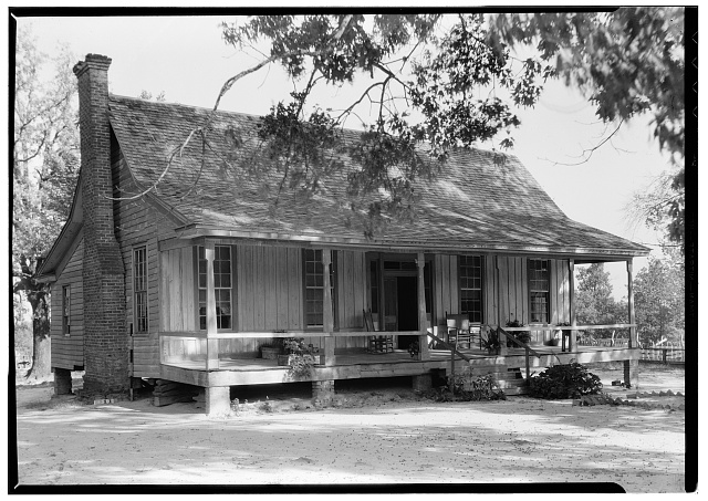 1.  Historic American Buildings Survey, Harry L. Starnes, Photographer October 22, 1936 FRONT ELEVATION. - Emzy C. Smith House, North of Farm Road 2026, Center, Shelby County, TX