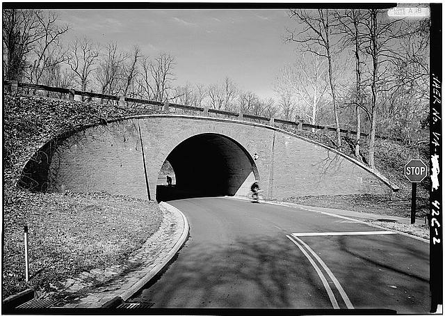 2.  EAST ELEVATION. - Mount Vernon Memorial Highway, Fort Hunt Overpass, Mount Vernon Memorial Highway, 5.9 Miles South of I-95, Mount Vernon, Fairfax County, VA