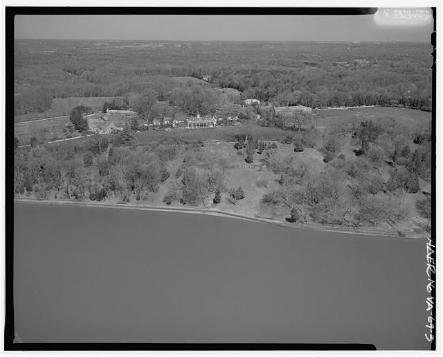 3.  AERIAL VIEW OF MT. VERNON LOOKING NORTH. - George Washington Memorial Parkway, Along Potomac River from McLean to Mount Vernon, VA, Mount Vernon, Fairfax County, VA