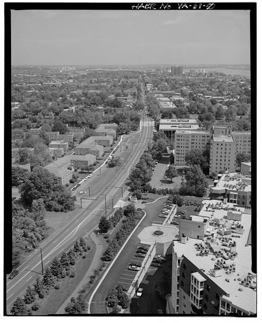 50.  AERIAL VIEW OF THE SOUTH END OF ALEXANDRIA LOOKING NORTH. (WASHINGTON ST.) - George Washington Memorial Parkway, Along Potomac River from McLean to Mount Vernon, VA, Mount Vernon, Fairfax County, VA