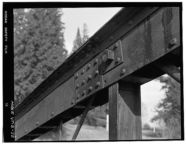 22.  DETAIL OF TOP CHORD AND VERTICAL CHORD CONNECTION - Elm Street Bridge, Spanning Ottauquechee River, Woodstock, Windsor County, VT