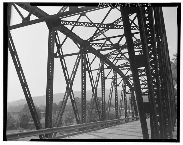 5.  View east, detail of east truss on through (main) span, from bridge - Vermont Bridge No. 48, Spanning Winooski River at U.S. Route 2, Waterbury, Washington County, VT