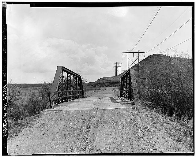 1.  VIEW FROM SOUTH TOWARD NORTH PORTAL - Peloux Bridge, Spanning Clear Creek on County Road No. 40, Buffalo, Johnson County, WY