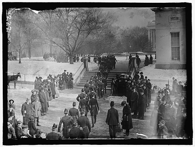 NEW YEAR'S RECEPTION AT WHITE HOUSE. GENERAL VIEW OF ARMY OFFICERS LEAVING WAR DEPARTMENT FOR RECEPTION