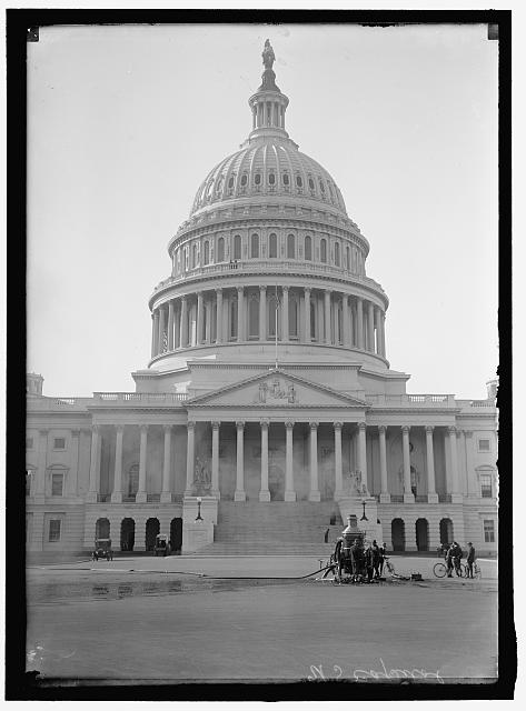 CAPITOL, U.S. CLEANING EXTERIOR