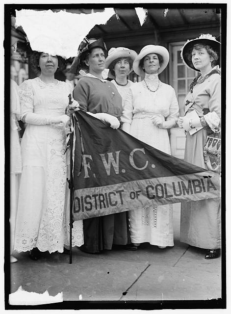 FEDERATION OF WOMEN'S CLUBS, D.C. LEADERS OF DELEGATION TO WHITE HOUSE: MRS. ELLIS LOGAN; MRS. H.W.WILEY; MISS E. SHIPPEN; MRS. R.C. DARR; MISS M. McNEILAN