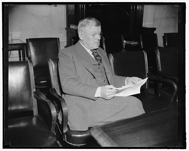 Senator from Wyoming. Washington, D.C., April 4. Senator H.H. Schwartz, democrat of Wyoming, from a new informal picture made today at the Capitol. 4-4-39