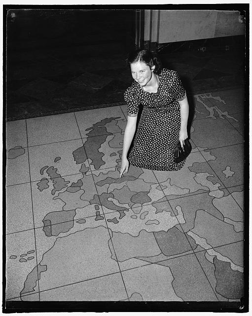 Post Office, Edna Strain [...]4313 Stillen [...]St. Little Rock, [...]Looking at Czechoslovakia on mosaic map of Europe on floor of Benjamin Franklin Station