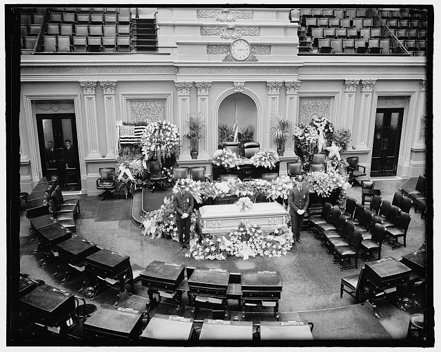 Body of Illinois Senator lies in state in Senate chamber. Washington, D.C., April 12. The body of the late Senator from Illinois, J. Ham Lewis lying in state in the Senate chamber today where final rites were conducted. 4-12-39