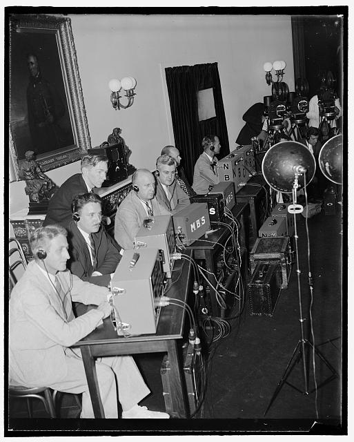 [Press with radio(?) equipment at White House, Washington, D.C.]