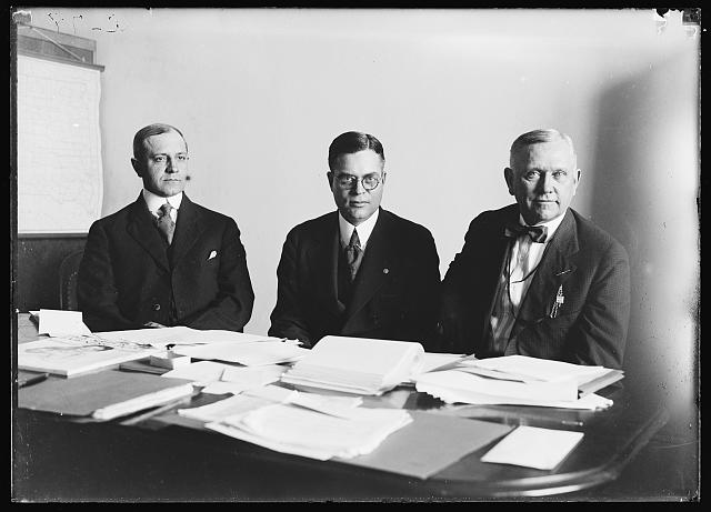 [Henry C. Wallace, center]