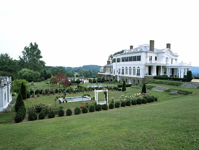 Country home and farm of sculptor Frederick Hart, Hume, Virginia