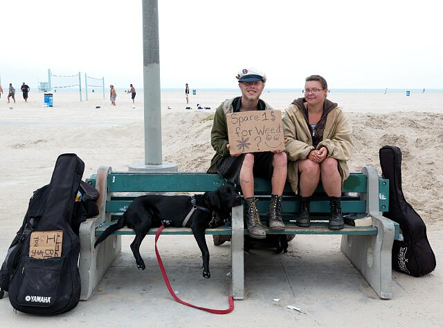 Lawrence Moss and Nina Pereira beg for money for weed (marijuana) on Venice Beach in California