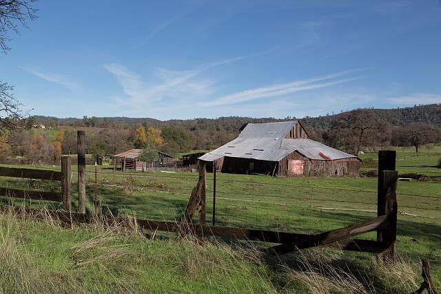 A sizable barn near the settlement of Bangor, south of Oroville in Butte County, California