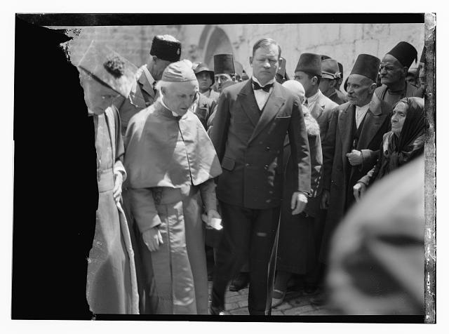 Notable visitors and approx. chronological events since 1930. The Bishop of Canterbury, Dr. Lang. Visiting Church of the Holy Sepulchre, April 16, 1931