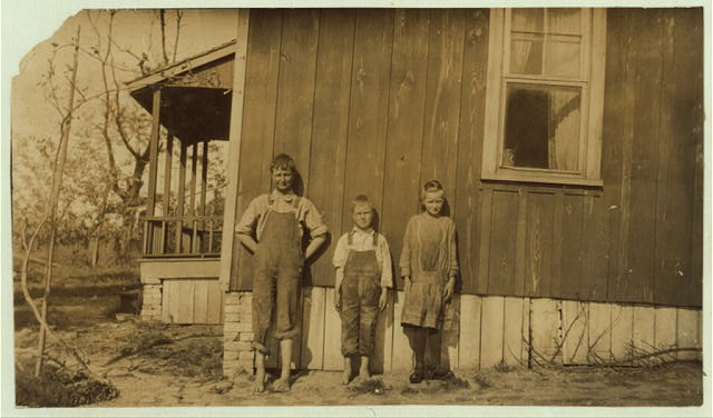 William, Anna Belle and Garland Carter. See card and report.  Location: Elizabethtown [vicinity], Kentucky