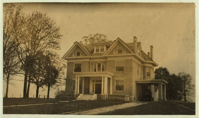 Home and farm of E.J. Hayward. See report. L.W. Hine.  Location: Elizabethtown [vicinity], Kentucky.