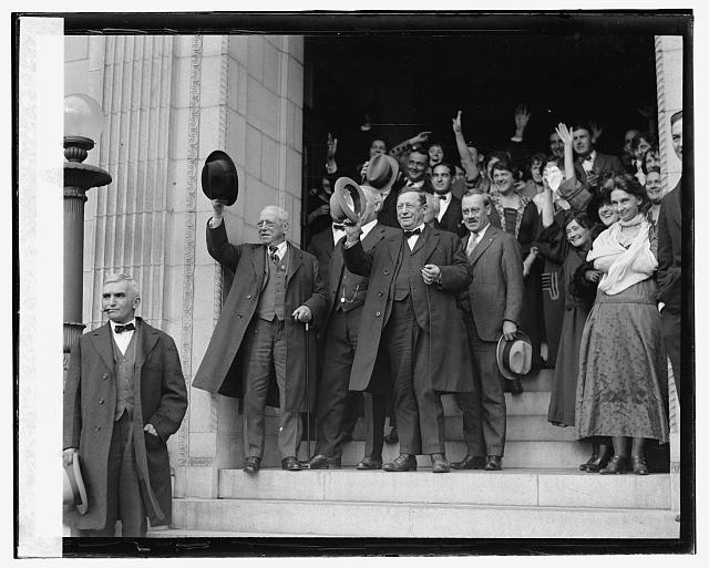 Gompers & A.F. of L. employees cheering Gen. Colles, 10/31/24