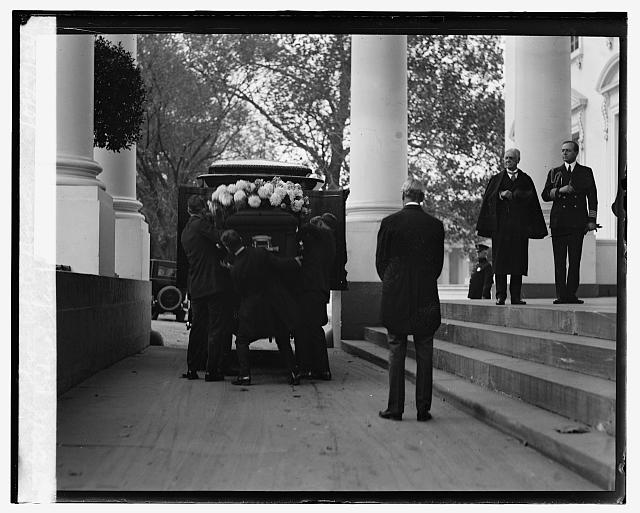 Body of Sen. Wallace being taken from White House, 10/27/24