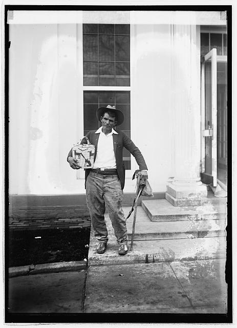 Lee Turner of Tucson, Arizona at W.H. [i.e. White House, Washington, D.C.], 11/12/24