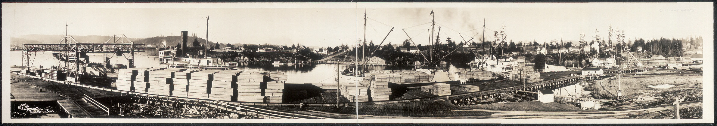 [Steamships Adeline Smith, Nann Smith and Redondo loading at the mills of the C. A. Smith Lumber and Manufacturing Co., Marshfield, Oregon]