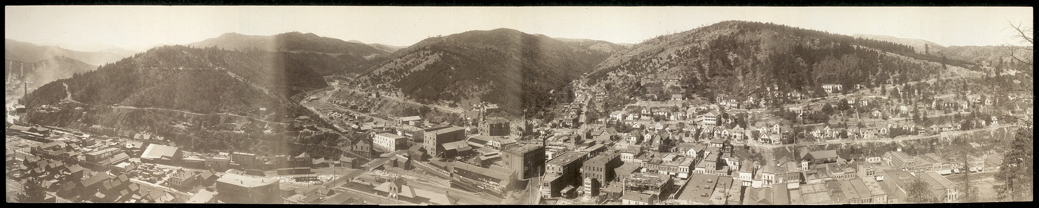 [Panoramic view of Deadwood, S. D.]