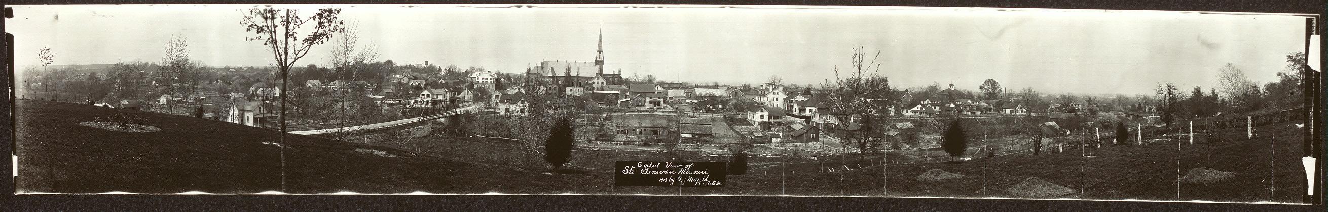 Cirkut view of Ste. Genevieve, Missouri