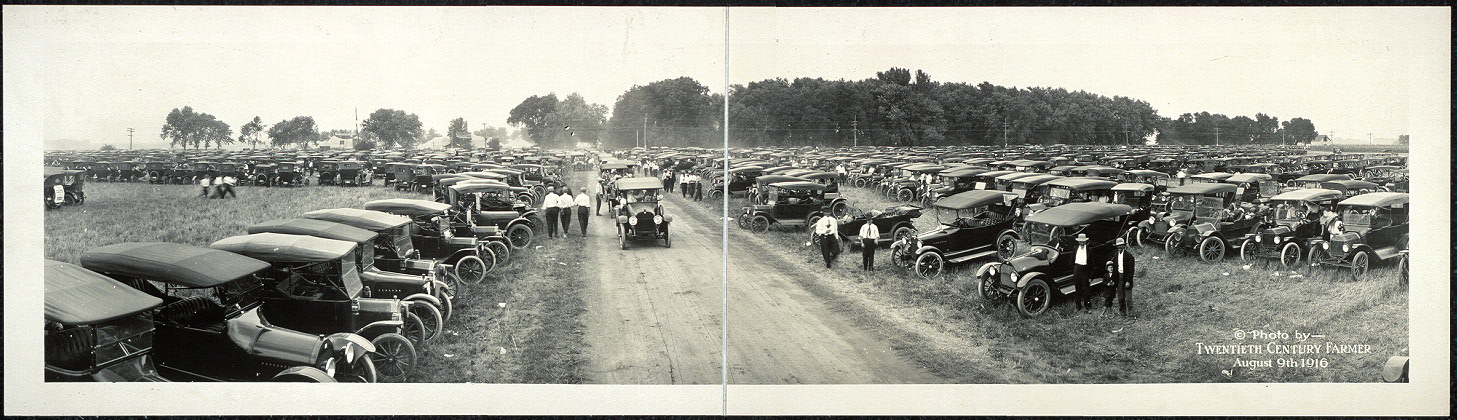 [Automobiles at Fremont Tractor Show, Aug. 9, 1916]