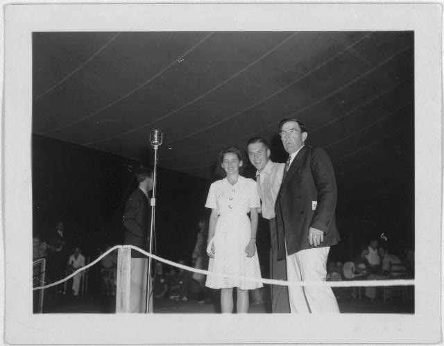 [Richard Queen and his partner with Bascom Lamar Lunsford at the Mountain Music Festival, Asheville, North Carolina]