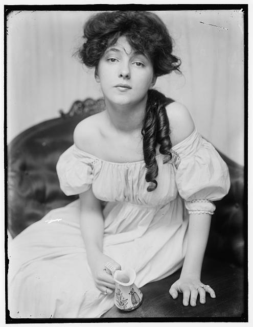 [Evelyn Nesbit about 1900 at a time when she was brought to the studio by Stanford White]