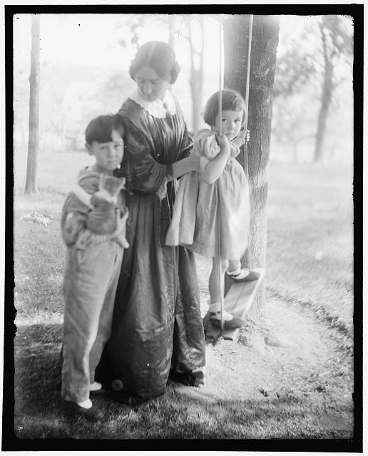 [The swing, a study of Mrs. Turner and her children. Made at Waban, Mass.]