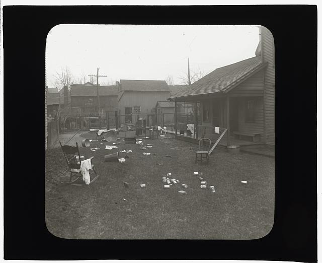 [National Cash Register Company, Dayton, Ohio. Worker house gardens before landscaping]