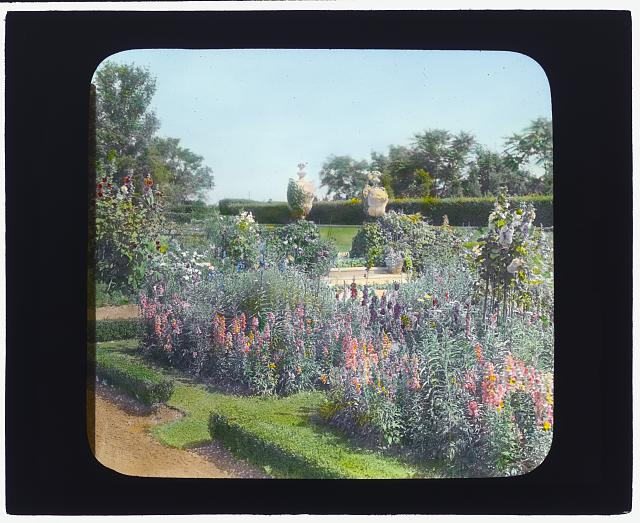 "[""Millefiori,"" Albert Barnes Boardman house, Great Plains Road and Coopers Neck Lane, Southampton, New York. Steps to flower garden]"