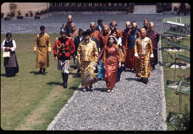 Royal procession, King, Queen & court, Sikkim