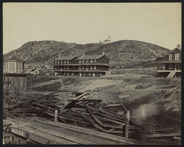 [Railroad yard, Chattanooga, Tennessee]