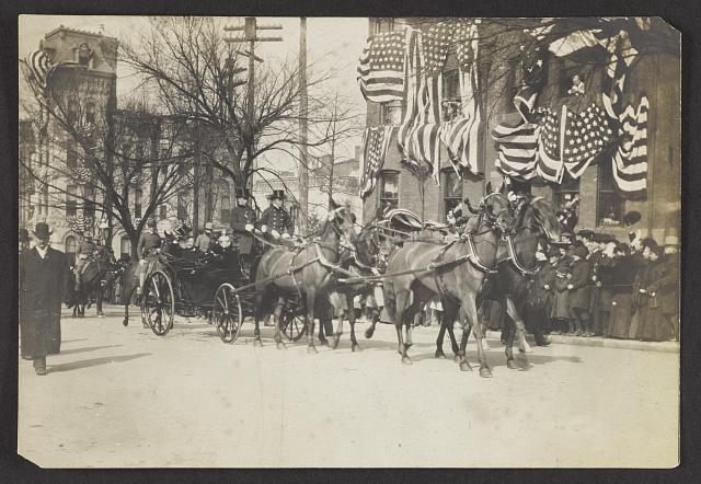 Roosevelt on his way to the Capitol