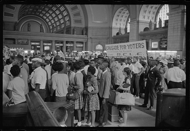 [Marchers arriving at Union Station for the March on Washington, 1963]