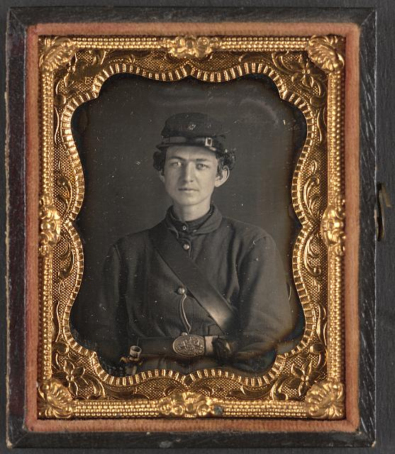 [Unidentified soldier in Union uniform of the 119th Pennsylvania Volunteer Infantry, wearing the belt buckle of the Philadelphia Reserve Brigade]