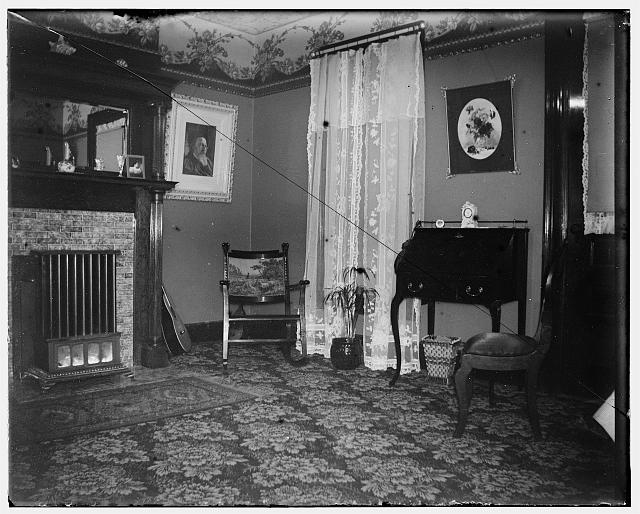 [Parlor of the Wright home, 7 Hawthorn Street, Dayton, Ohio, occupied by the Wright family from 1871 through 1879 and October 1885 through April 1914]
