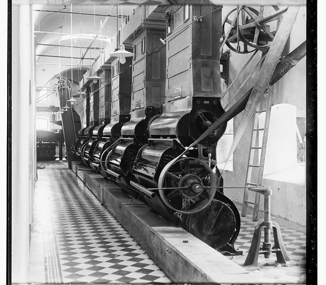 [Cotton gin (?), in interior of mill, probably in Tashkent]